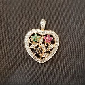 Gemstone Floral Heart-shaped Pendant